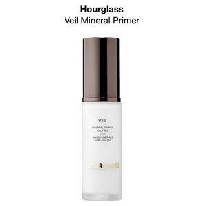 Hourglass Veil Mineral Primer Oil Free